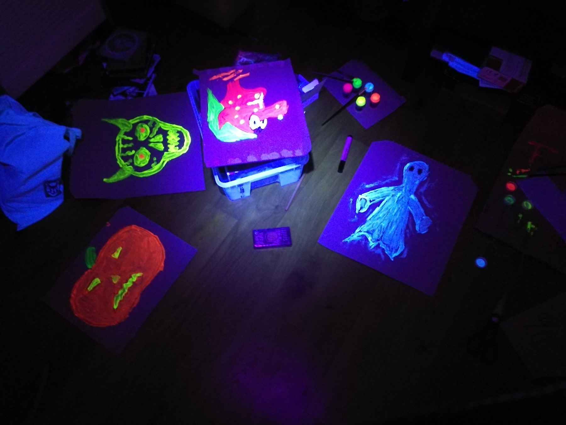 UV-Bilder bei Schwarzlicht