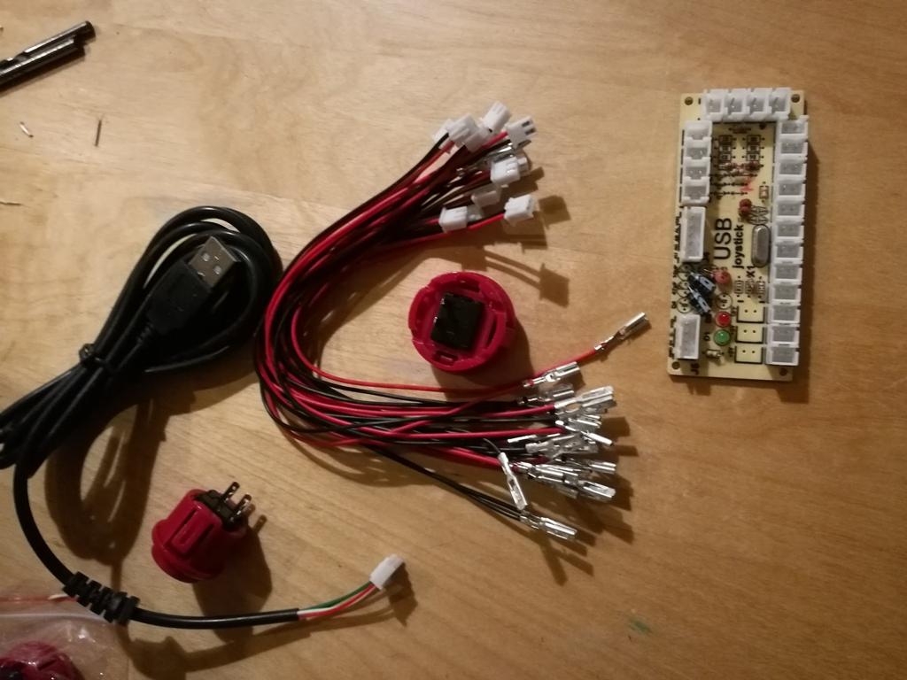 Steuerboard, Kabel und die zwei Knopftypen